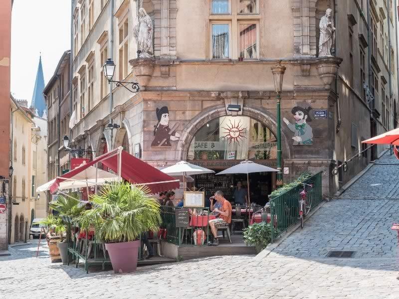 Actu_Histoire_du_cafe_du_soleil_Quenelles du soleil